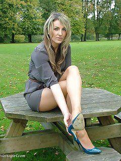 Teens outdoors naked Sofia Vergara