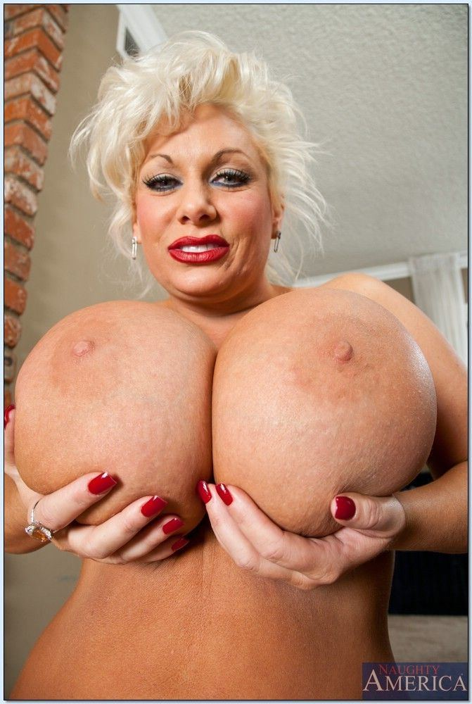 best of Marie busty Claudia blonde boobs