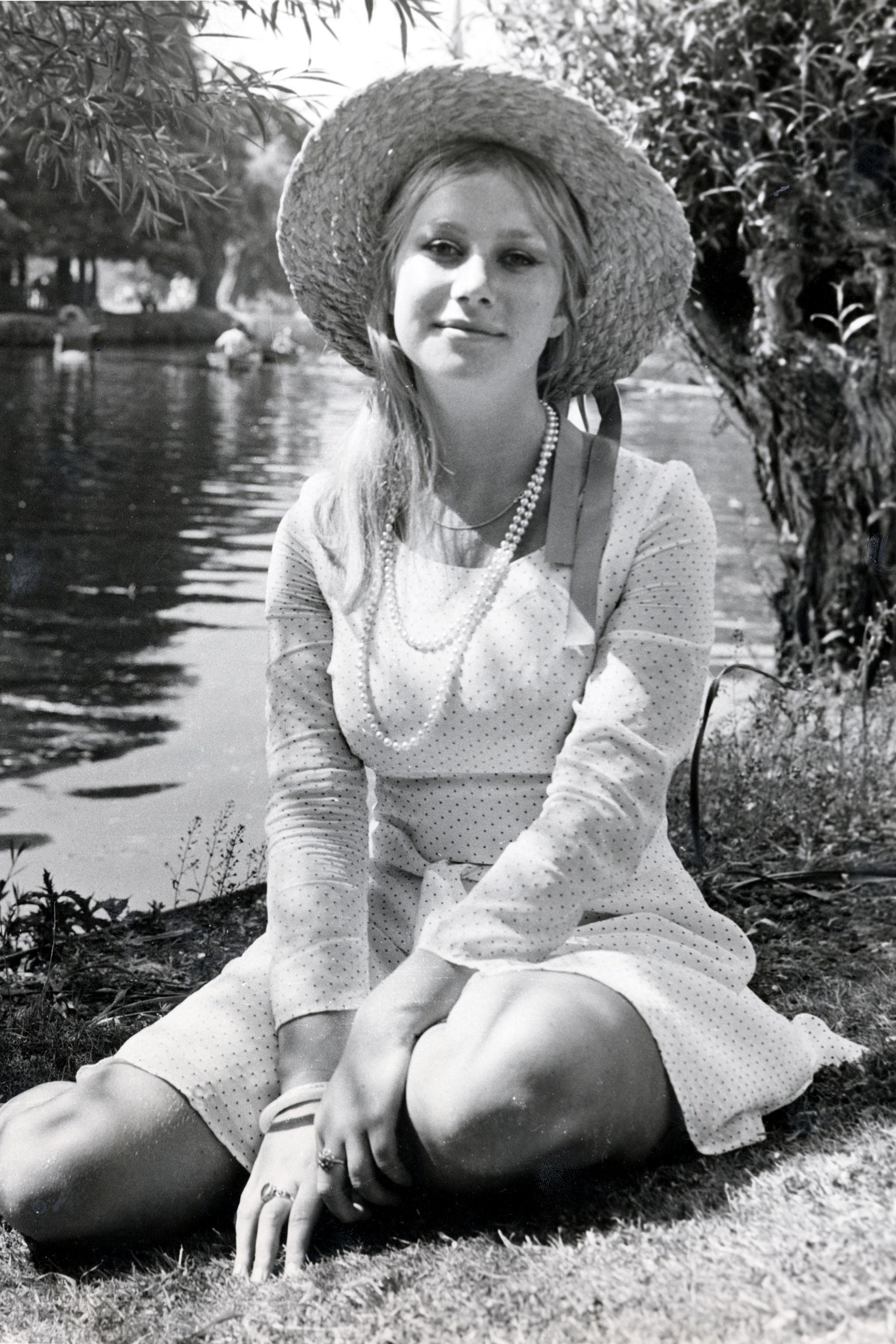 Helen mirren when she was young - Porn Pics & Moveis.