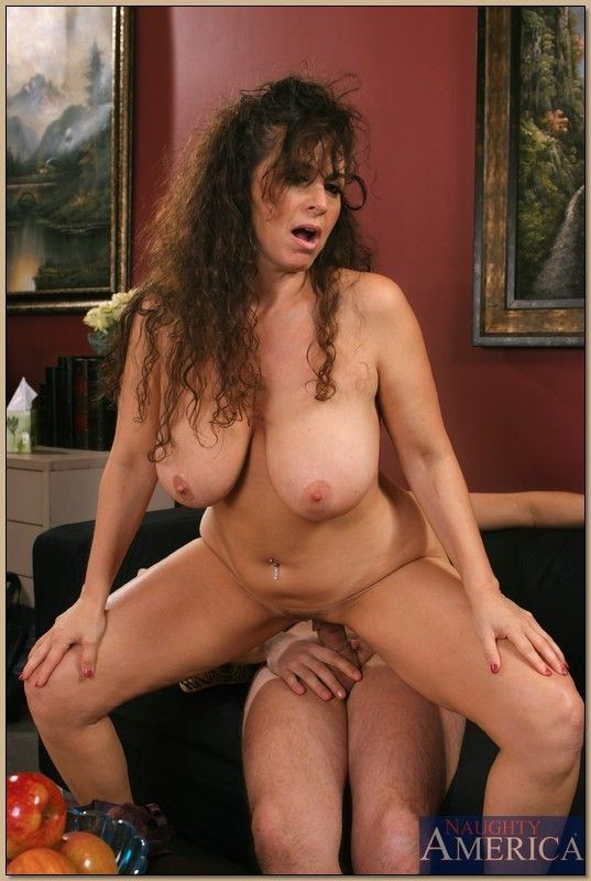 Free nude photos of charity hodges