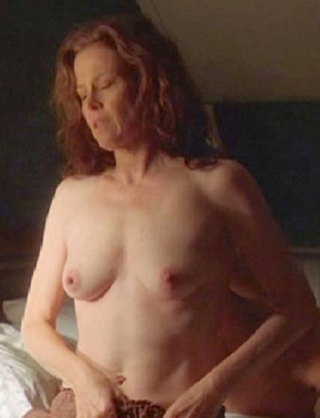 Sigourney weaver boobs