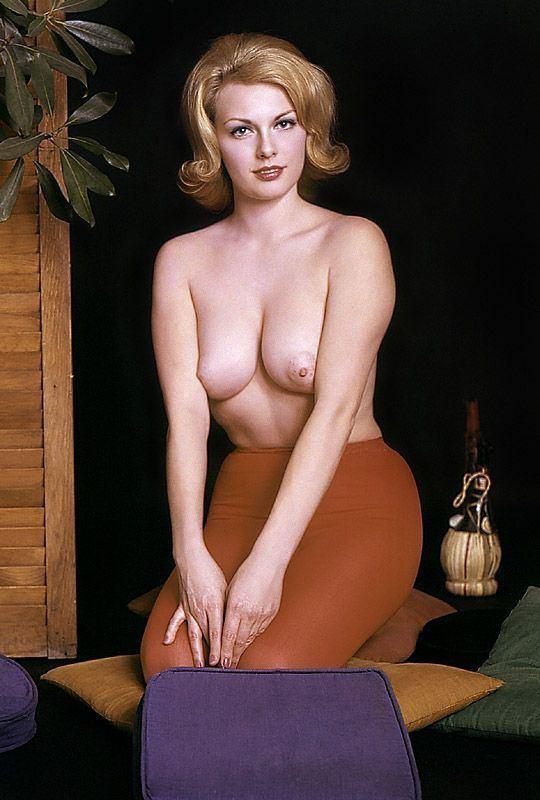 Cynthia Lynn Nude