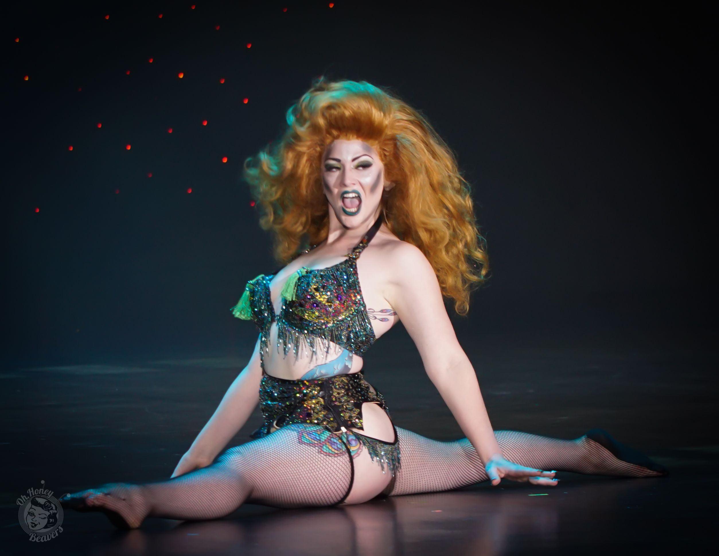 Vivi La Chanteuse, Burlesque Dancer