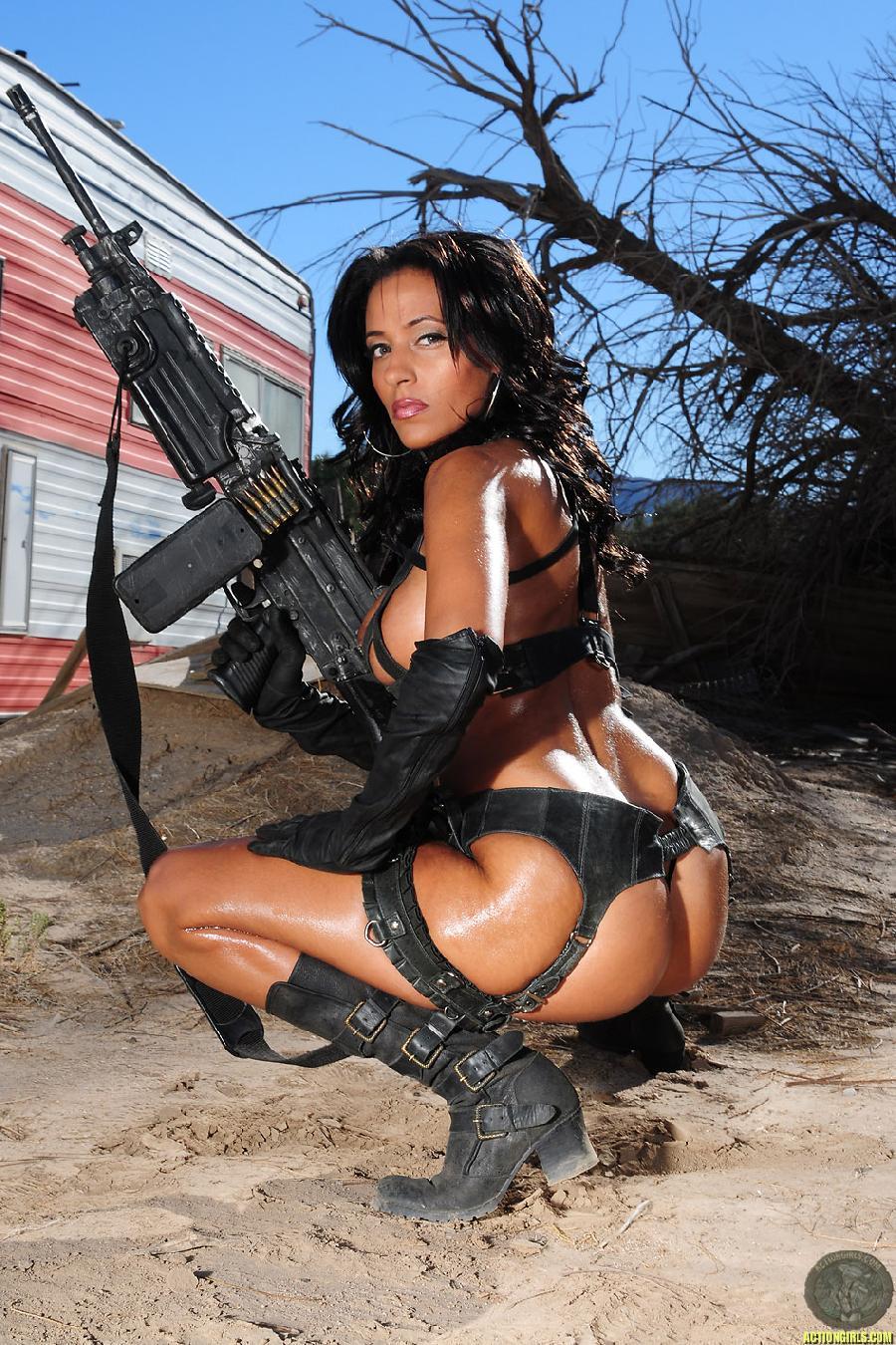 guns and sexy womennude