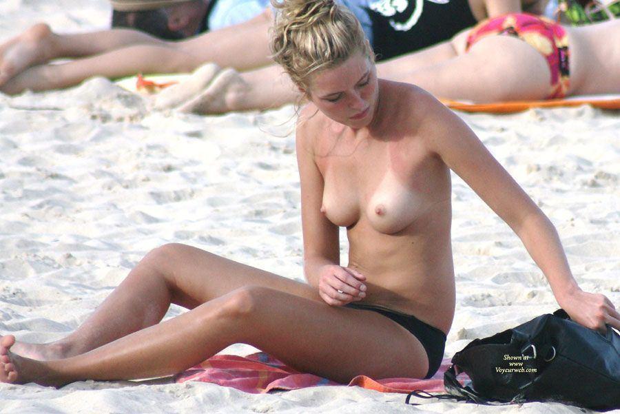 Ellen deangleo breasts