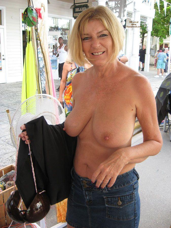 public flashing of boobs gallery