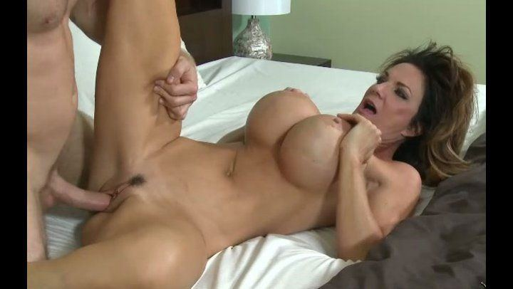 Older lady gets fucked hard by a hunk with a big cock outside