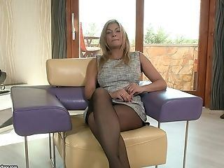 Hairy pantyhose video