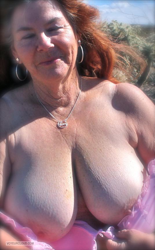 Flash my wife tits