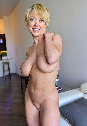 Mature With Big Tits Hot Nude Photos