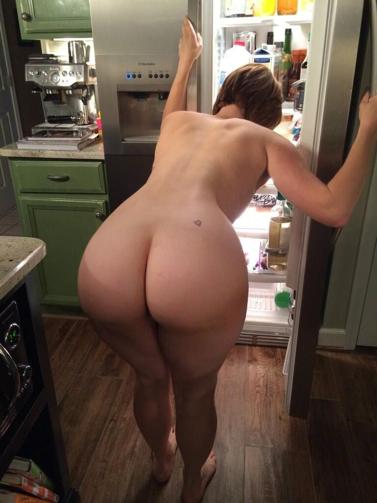 nackt big booty white girl
