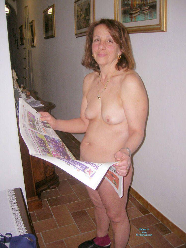 Wife pic nude Free MILF