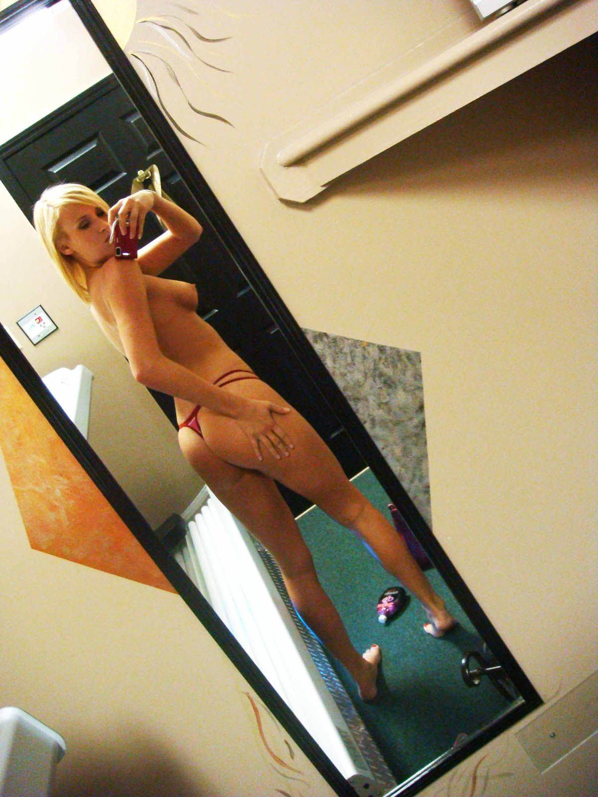 tanned tanned nude selfie